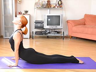 Hot yoga teacher training video