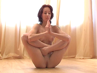 Naked yogi Nataly in new nude yoga video