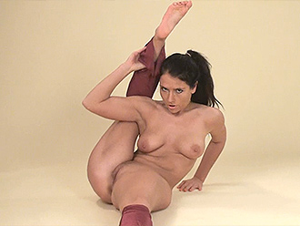 Naked female contortionist in nude yoga video