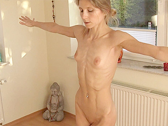 Online nude yoga workshop