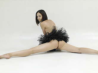 Naked ballerina in nude yoga video session