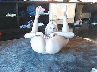 Webcam nude yoga video