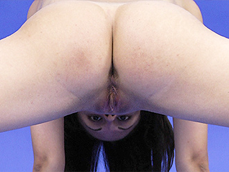 Nude contortionist video