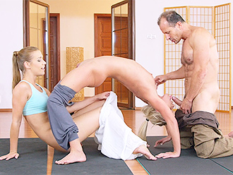 Yoga porn threesome after the yoga lesson