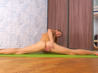 First-time nude gymnastics in the living room