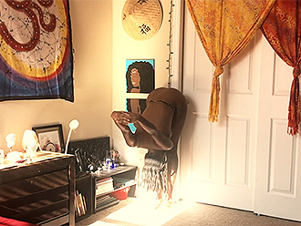 Flexible ebony naked girl