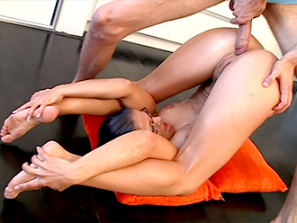Yoga sex video with naked contortionist