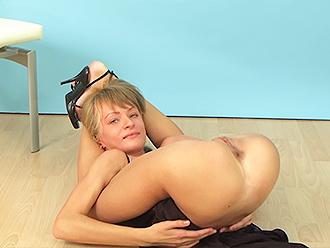Fetish naked yoga video