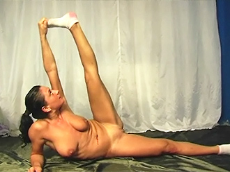 Big-breasted nude yoga amateur