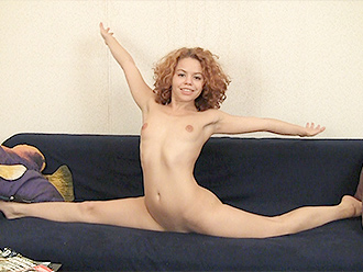 Nude gymnast in amateur naked yoga video