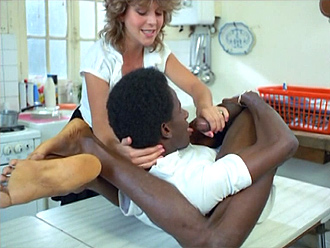 Naughty housewife and black guy in hot selfsuck video in the kitchen