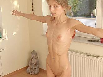 Online nude yoga workshop