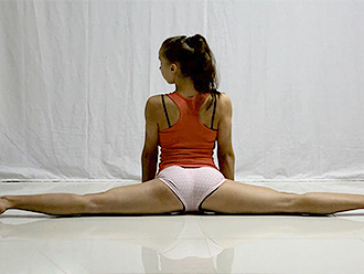 Hot sexy yoga video with the super flexible girl