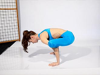 Leggy gymnast in hot yoga video
