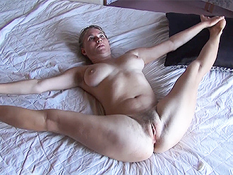 Nude contortionist gonna demonstrate some of sweetest parts
