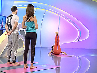 Russian TV morning show with sexy instructor in hot yoga pants