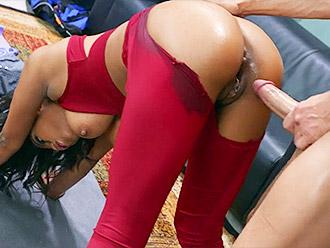 Yoga porn with Nia Nacci ebony porn star