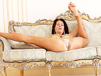 Super sexy MILF in cameltoe presents nearly nude yoga