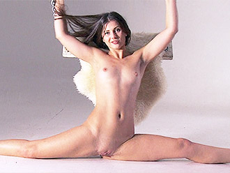Unique naked yoga and flexible porn from nude gymnast