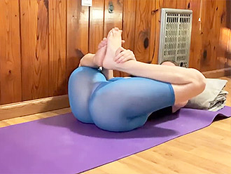 Hot MILF in see-through yoga pants present sexy yoga video for our tube